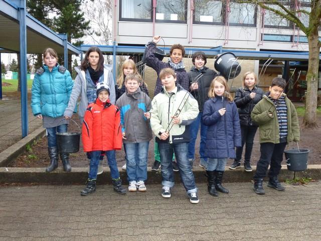 Kinder der Schoenbornschule in Karlsdorf