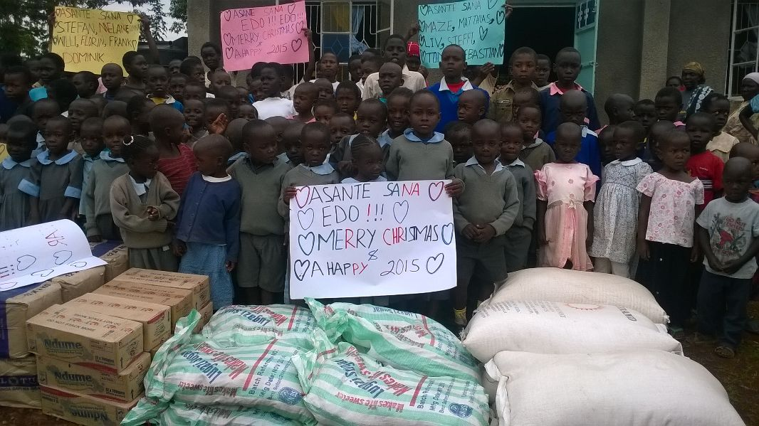 Weihnachtsgeschenke für 180 Kinder | hope e.V.